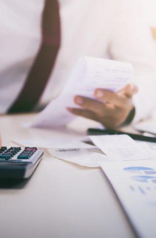 Você sabe por que é preciso separar finanças corporativas e pessoais?