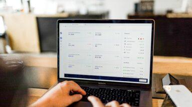 queda do capital de risco mundial mesmo em meio ao aumento de investimentos em startups nacionais/bluefields aceleradora