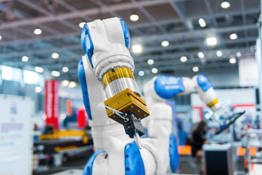 Ferramenta tecnológica em fábrica inteligente